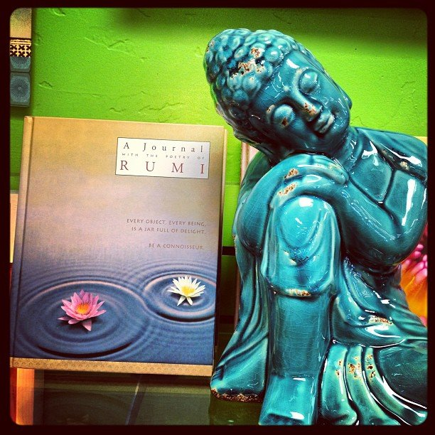 Who loves to journal? #rumi #restingbuddha #encinitas #soulscapelife #buddha #teal #shoplocal