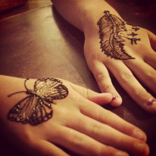Just a couple of henna tattoos from tonight! We were totally booked, we just might have to do this more often!
