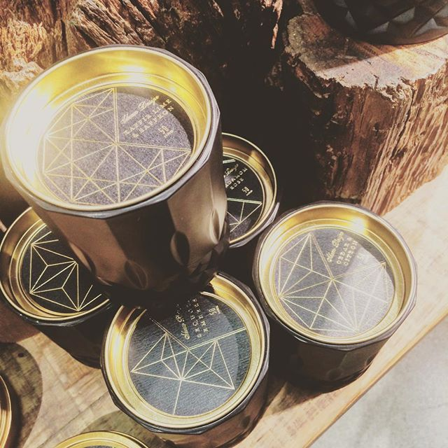 I'll pretty much buy anything with a little #sacredGeometry on it. Doesn't hurt when it's an amazing smelling candle with #gold embellishments.