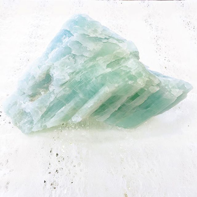 #happybirthday month to all of you #March babies! March is ruled by the #crystal #aquamarine . This stone is a #piscesdream , holding the color of the #sea, she aides us in our #communication with the #divine . A stone of the #goddesses , aquamarine brings us #courage and #healing .