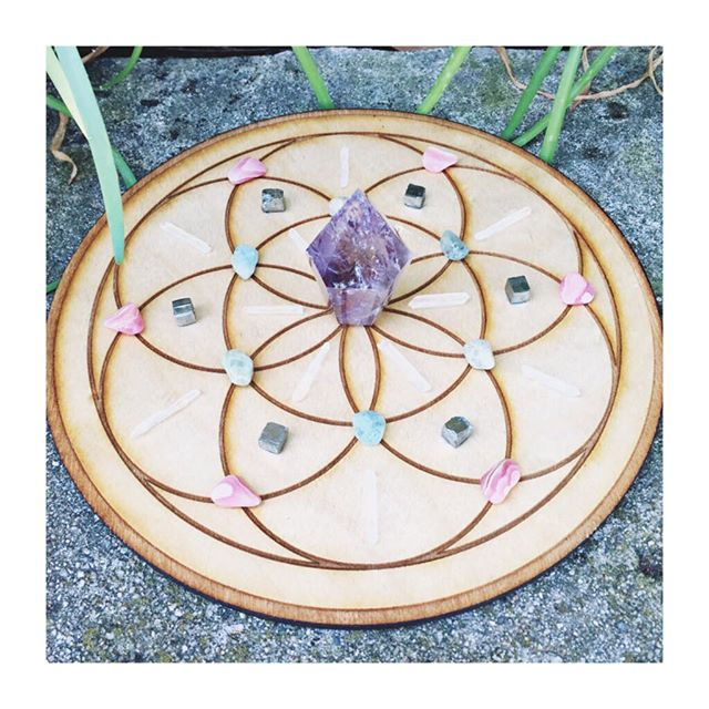"""""""I now choose of my own free will to shine bright and true, sharing myself with the world. May the world see me as the universe knows me to be..."""" - @alana_fairchild  from the Crystal Mandala Oracle. Get in touch with your #higherself with some #crystalmagic . We have #crystalgrid packs, #books and various #grids to help you shine bright!"""