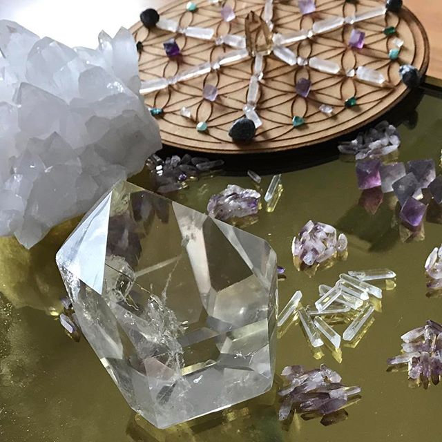 Not a bad way to end a workday. I save #tuesdays for #crystalgrid creating, and I've been dreaming that these tiny #VeraCruz #amethyst and #Colombian quartz points have been singing to me to be part of the next one.
