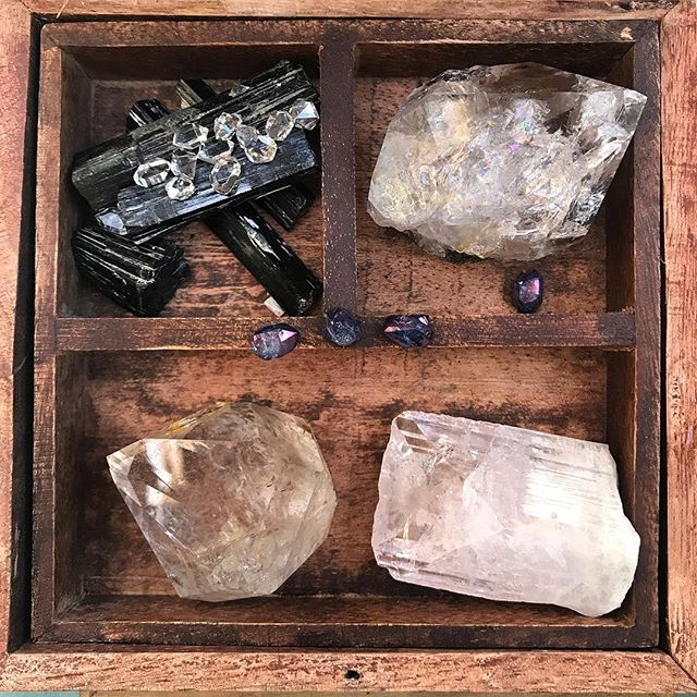 Some pretty amazing palm size Herkimer quartz beauties are coming in this week. Oh and some perfect water clear tiny ones too. #ilovemyjob