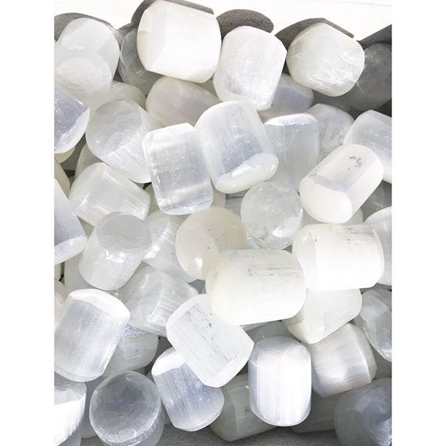 Our new #crystalofthemoment is SELENITE  #Selenite is a #crystal that is good for just about everything! Need to clear your space or jewelry? Selenite has got your back! Need help with clear communication? Try bringing selenite into your space. Want to be in more fluid contact with the #angelic realms? Not a problem for Selenite! Enjoy 44% off selenite crystals now until the next Crystal of the Moment makes an appearance! ***all crystals are 25% now until 2/10/19. Exclusions apply, see associate for details. No holds, all sales final. Not valid on jewelry, lamps, previous purchases. Valid for in-stock purchases only***