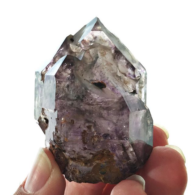 Found in Zimbabwe, #shangaanamethyst is a crystal that brings us the #divinefeminine in action. Loving, but not coddling, Shangaan Amethyst aids us in clearing our #ancestral #karma and helps us to start walking our own #divine path. A great #crystal to help with that #spiritual #spring cleaning 🙂